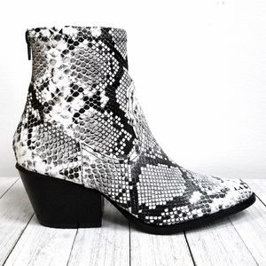 Shoes - New Snake Stretch Cowboy Ankle Boots Booties